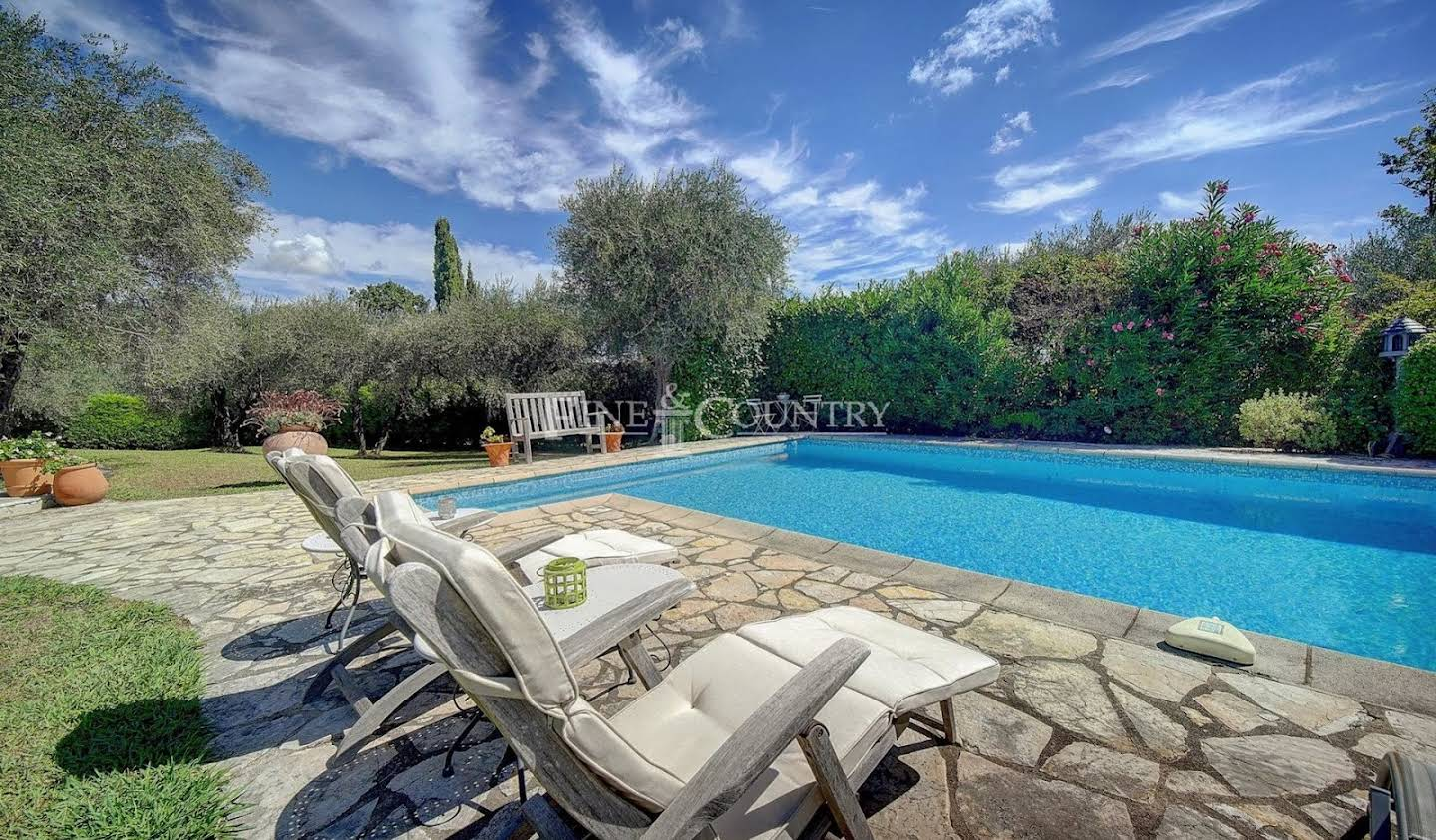 Villa with pool and garden Châteauneuf-Grasse