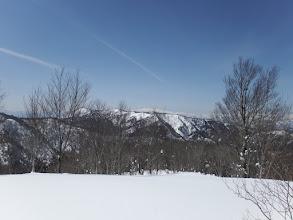 左に流葉山と奥に白山連峰