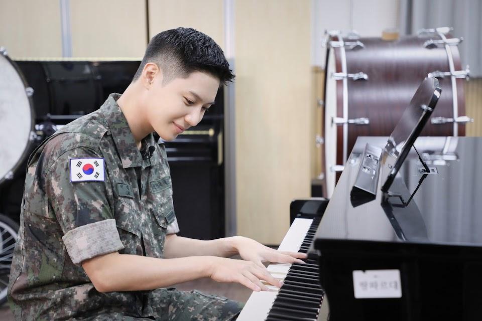taemin military piano
