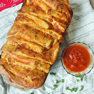 Vegan Pizza Pull-Apart Bread {from scratch}.