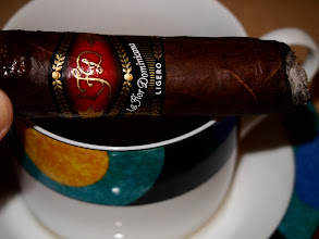 Photo: La Flor Dominicana Ligero L-500 Cabinet, Oscuro, Ring Size: 60 Length: 5 3/4