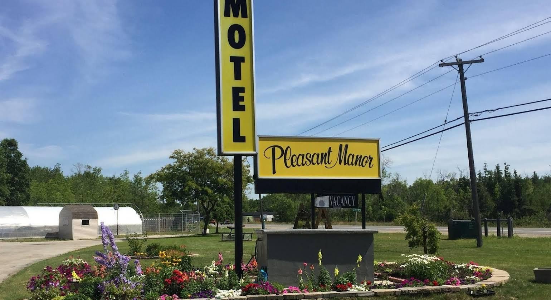 Pleasant Manor Motel