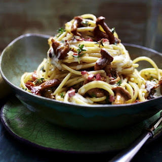 Spaghetti with Chanterelle Mushrooms and Ham