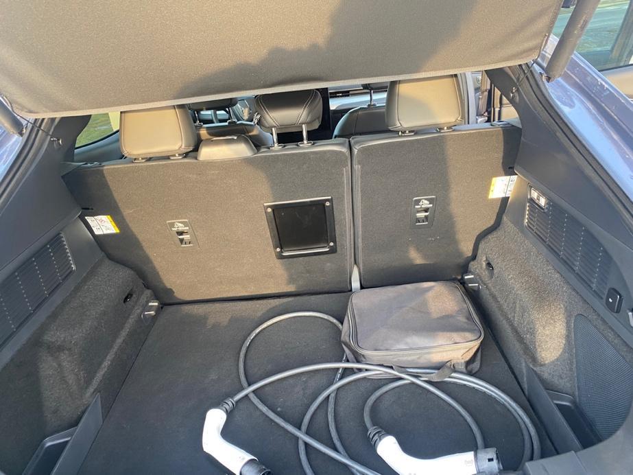 Et bilde som inneholder innendørs, transport, bagasjerom, bilsete  Automatisk generert beskrivelse