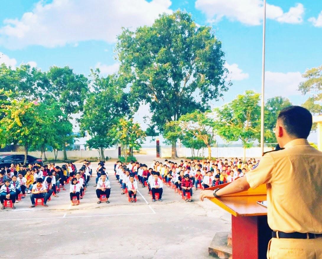 Tuyên truyền luật ATGT tại các trường trên địa bàn huyện Đô Lương