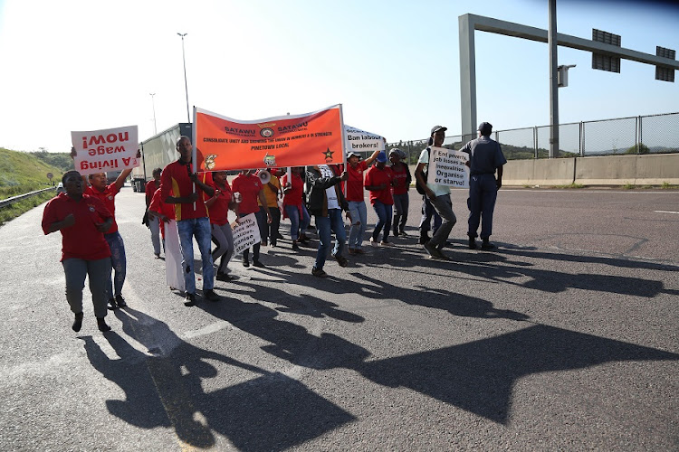 Protesters on the N3 at Marianhill toll plaza. Picture: JACKIE CLAUSEN​
