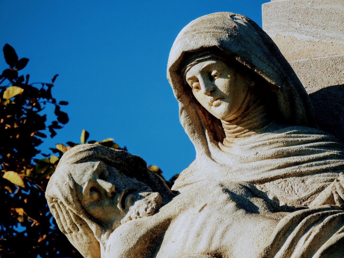 Bozsok - Fájdalmas Anya (Pietà)