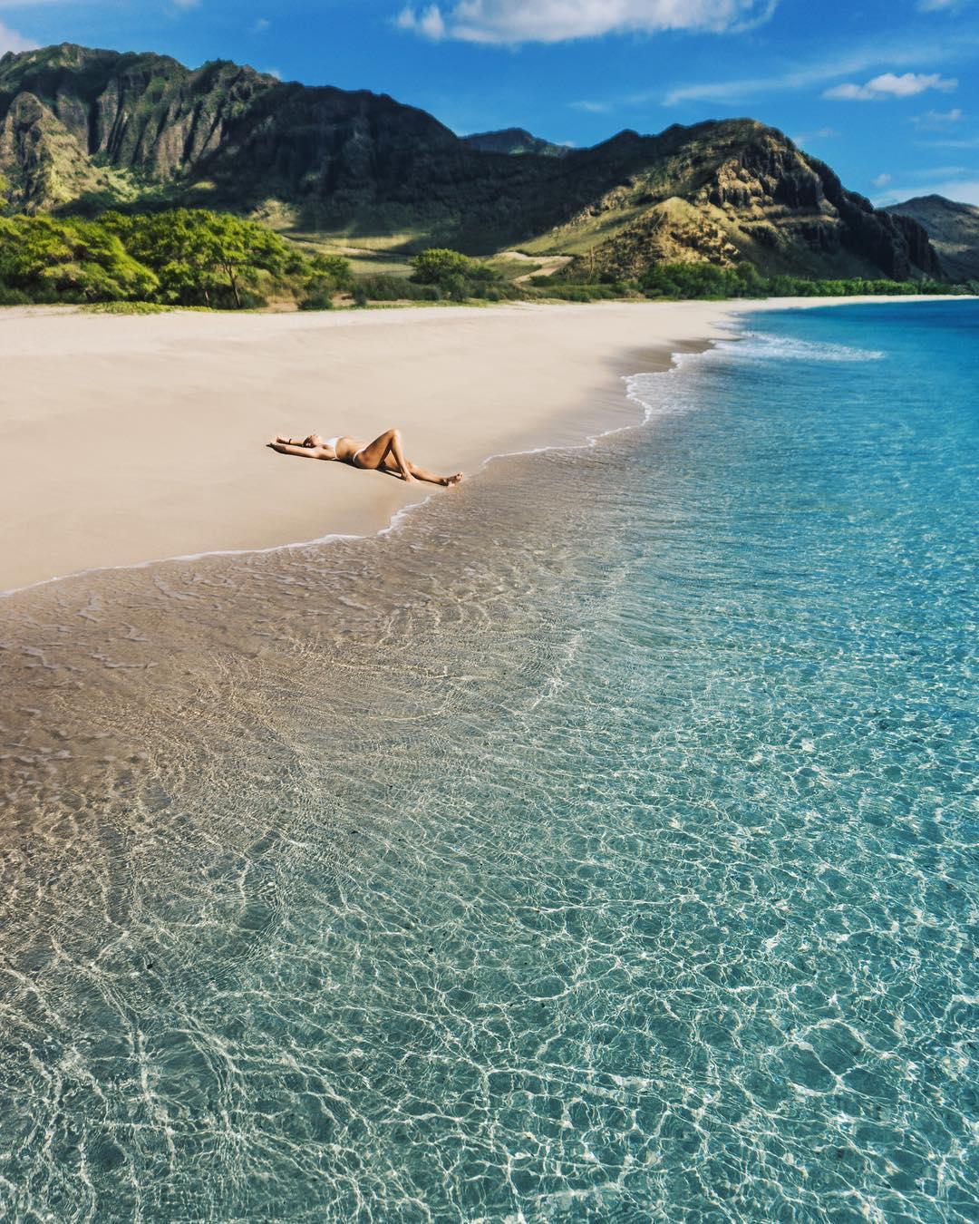 The beautiful Makua Beach - 15 Best Beaches on Oahu