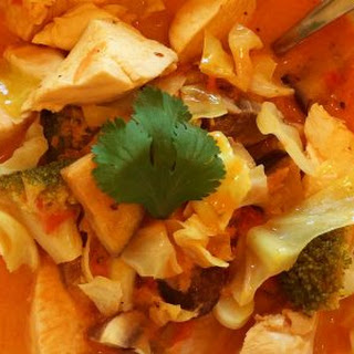 Slow Cooker Red Curry with Chicken and Veggies