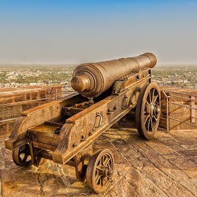 Aerial view from Mehrangarh Fort, Jodhpur by Ketan Vikamsey - Artistic Objects Antiques ( canon, traveltheworldpix, instagram, kvkliks, indiapictures, bbctravels, ketanvikamsey, rajasthan, forts, yourshot_india, mehrangarhfort, jodhpur, rajasthantourism, natgeotravel, colourfulplaces, lonelyplanetmagazineindia, wonderful_places, incredibleindia, lonelyplanet, natgeohd, discovery )