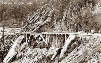 Photo: Construção da Rodovia Washington Luis. Primeira auto-estrada do Brasil. Foto da década de 20