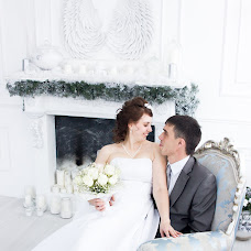 Wedding photographer Vladlena Lobaznikova (vlada235). Photo of 16.12.2016
