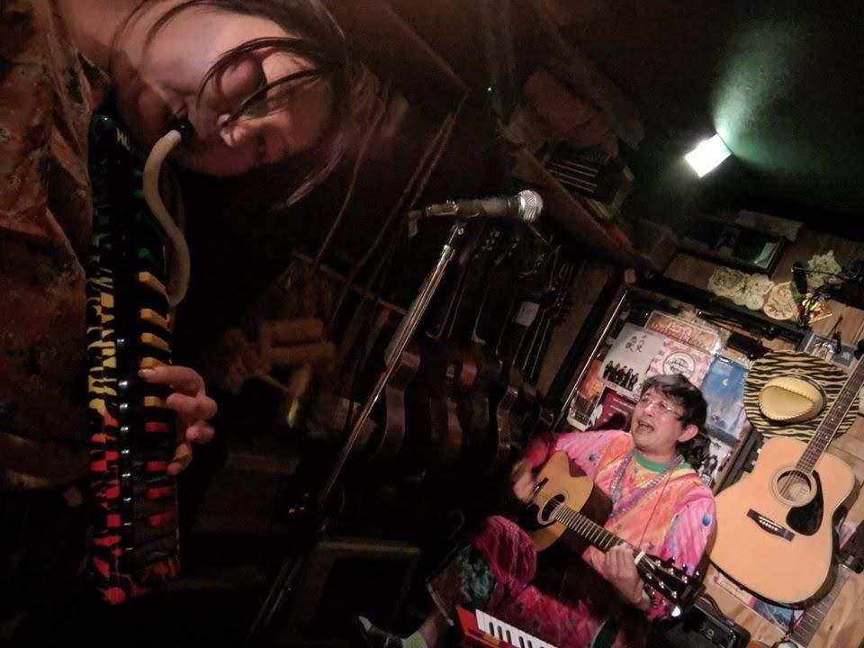 [大阪・東心斎橋で公演 !!] 2019/12/28 土曜 !! 「ドレミカンヌと愉快な仲間達」による「表題の無い音楽会」at 音と料理の店「ら」。