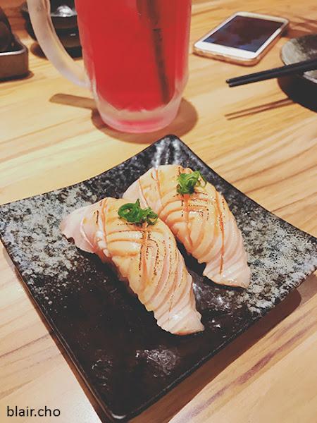 惡犬食堂‧肥美炙燒鮭魚握壽司,大干貝培根捲,上班族放風居酒屋in東區