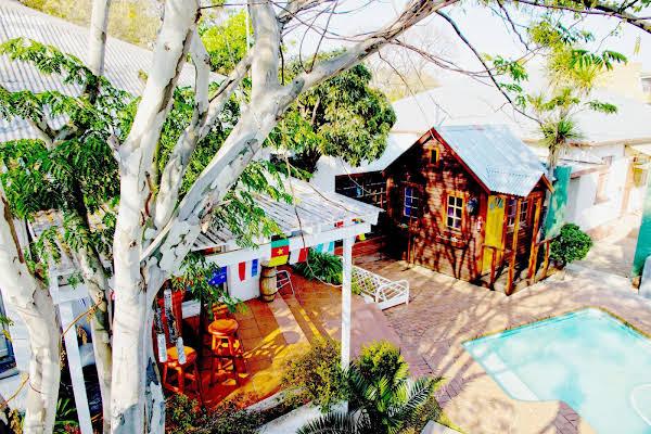 HomeBase Melville Hostel/Backpacker