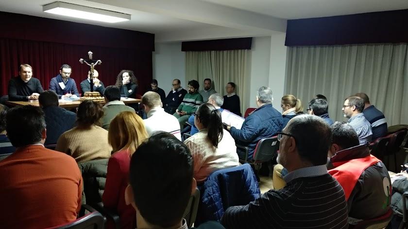 Reunión en la sede de la Agrupación, en la calle Ciprés.