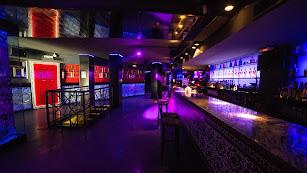 Las discotecas y pubs andaluces pueden abrir hasta las dos de la madrugada desde el pasado domingo.