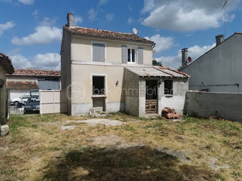 maison à Salignac-sur-Charente (17)