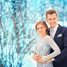 Wedding photographer Marina Manoylenko (Maxmary). Photo of 09.12.2013