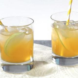 Spiced Apple-Ginger Fizz Mocktail.