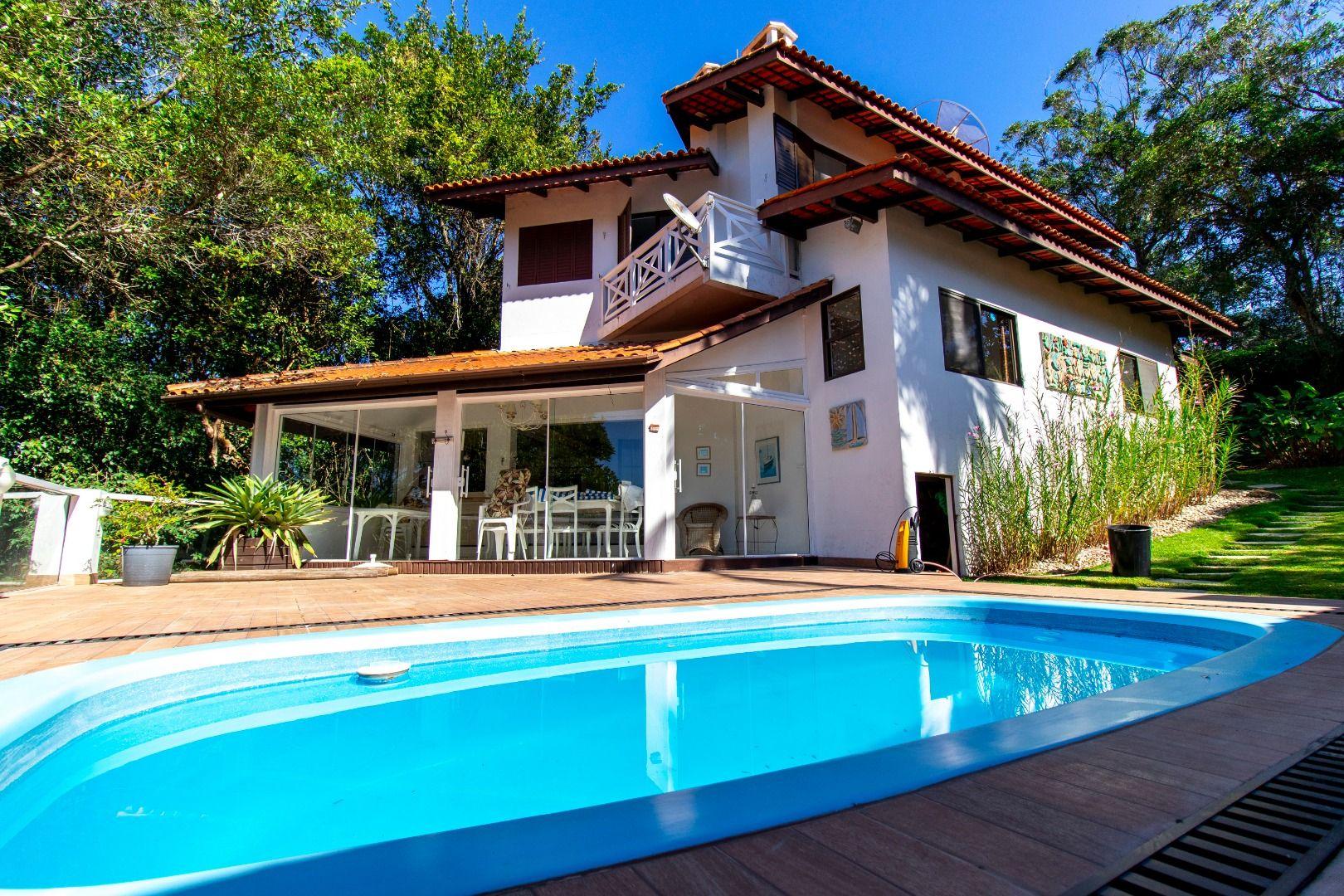 Casa em condomínio à venda  no Centro - Bombinhas, SC. Imóveis