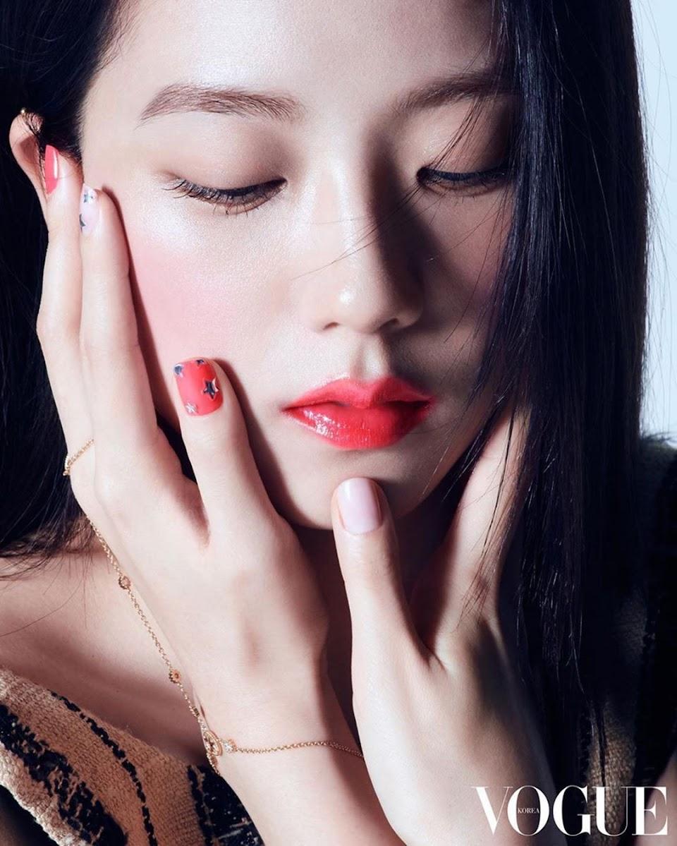 Jisoo-Manicure