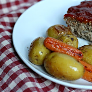 Easy Meatloaf Recipe – Makes Delicious Leftovers
