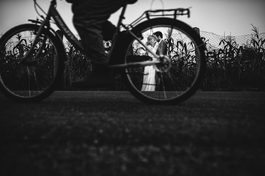 Wedding photographer Tudor Bolnavu (TudorBolnavu). Photo of 28.09.2016