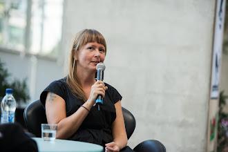Photo: Katja tuumaili Oton esittämää kysymystä