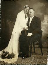 Photo: Gertrud (Helena) i ... Wittek w dniu ślubu.