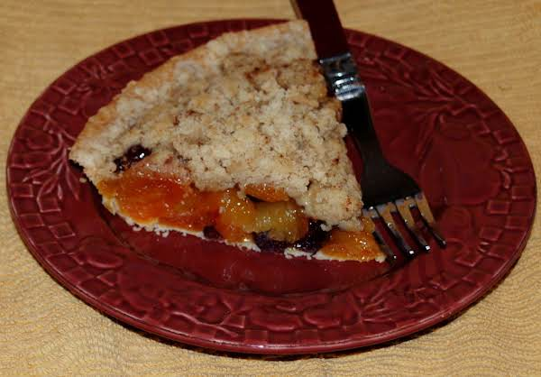 Chewy, Tart/sweet Dried Apricots And Dried Cranberries Are The Perfect Flavor Combination.  The Crumb Topping Adds Just The Right Touch Of Sweetness And Crunch To Finish This Fruity Pie.