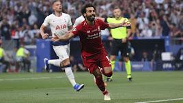 Salah celebra su gol en el minuto dos.