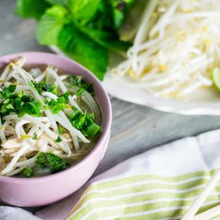 Slowcooker Vietnamese Noodle Soup (Pho Ga)
