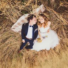 Wedding photographer Anastasiya Guseva (Fotopitoshka). Photo of 29.08.2015