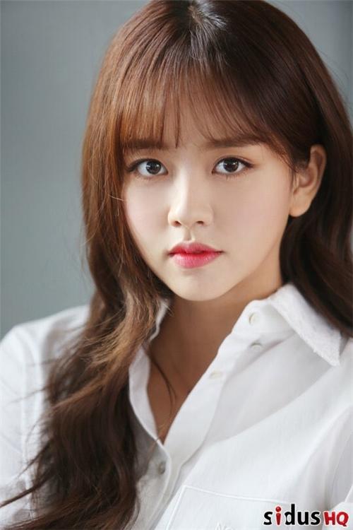 Kim.So-hyun.full.140083