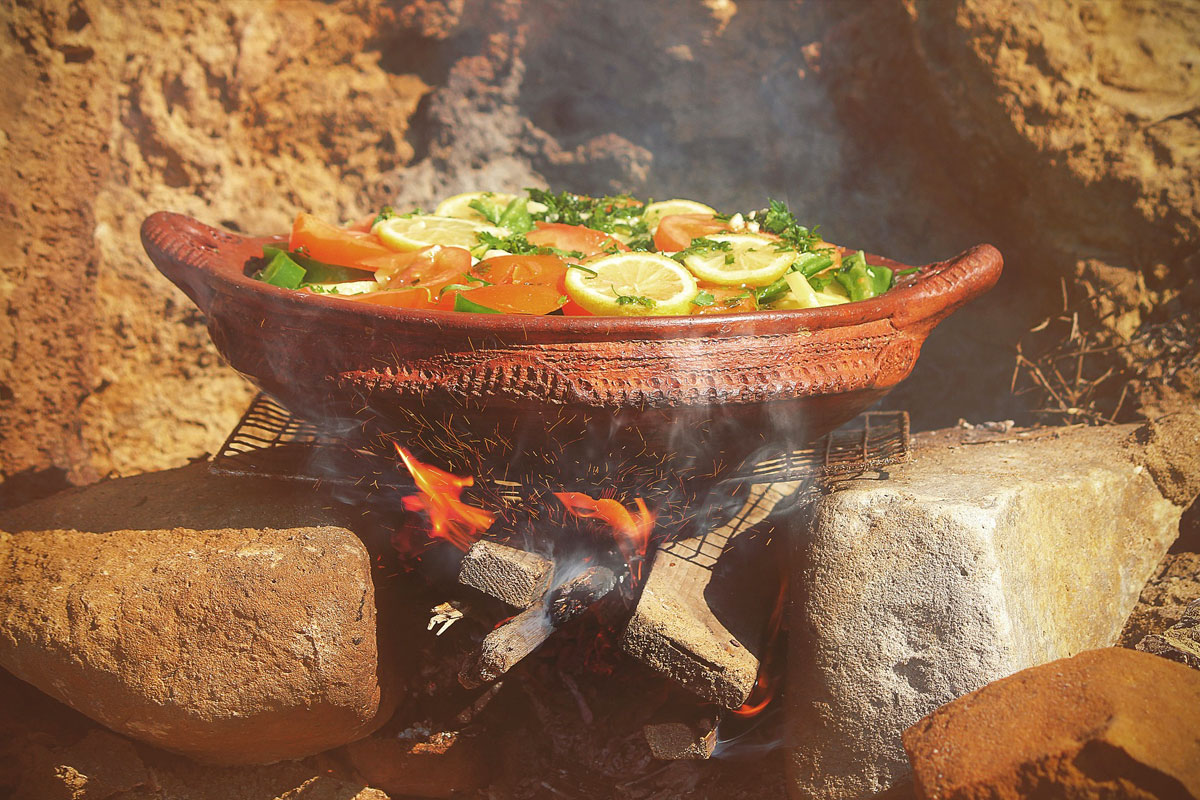 cooking in mitti