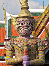 Photo: guardian giant, Temple of the Emerald Buddha