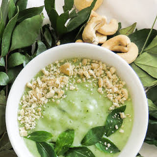Breakfast smoothie bowl with Rice, Coconutmilk and Cashewnuts.