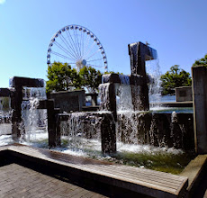 Photo: Does every large city have a ferris wheel?