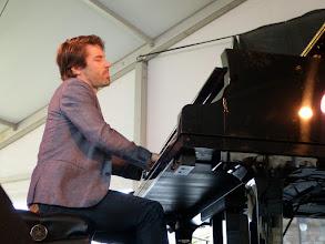 Photo: Dan Tepfer (playing with Konitz)