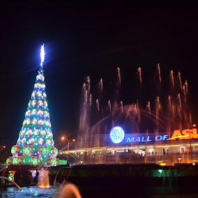 SM MALL OF ASIA by Cristian Jay Pareja - Public Holidays Christmas