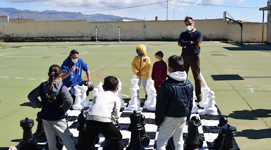 La EDM Padre Huelin juega al ajedrez a lo grande