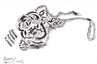 Photo: 腳鐐與鉚釘2012.04.17鋼筆 兩組腳鐐疊在一起,想必是為去醫院看診的收容人準備的,外醫一般都是以這種鉚釘鉚死的「法三式腳鐐」為主,除非衛生科通知在醫院有因醫療必需解開才會用鎖匙式的活動式腳鐐;記得多年前有位民代在監服刑因故外醫,釘完腳鐐正要帶出戒護區,卻被某長官攔了下來,並大聲斥責提帶的同事:「誰叫你用固定式的!去給我換活動的!」真是為自己做人情,連法規都可以罔顧啊!