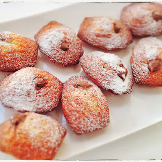 Madeleines filled with Nutella.