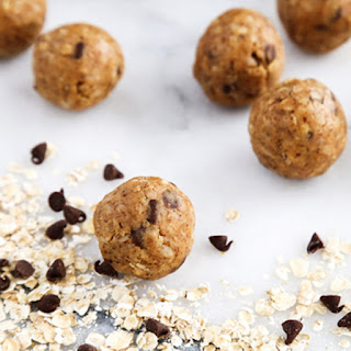 No-Bake Oats and Chocolate Protein Bites.