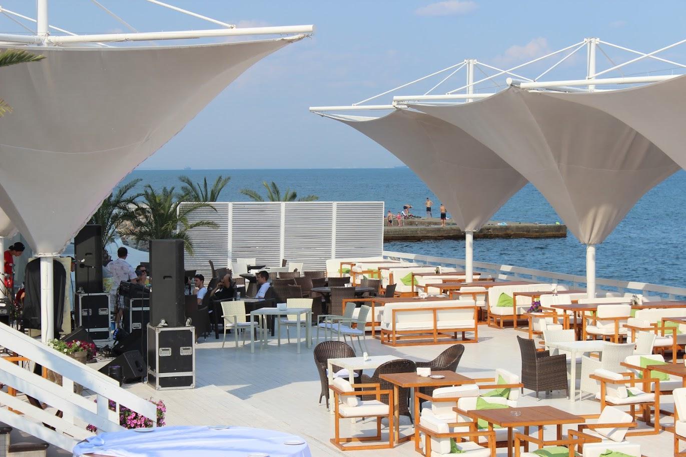 территория отеля Maristella Marine Residence