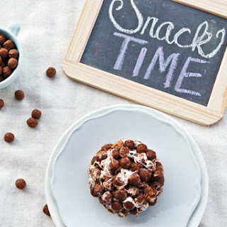Single Serving Cocoa Puff Treat.
