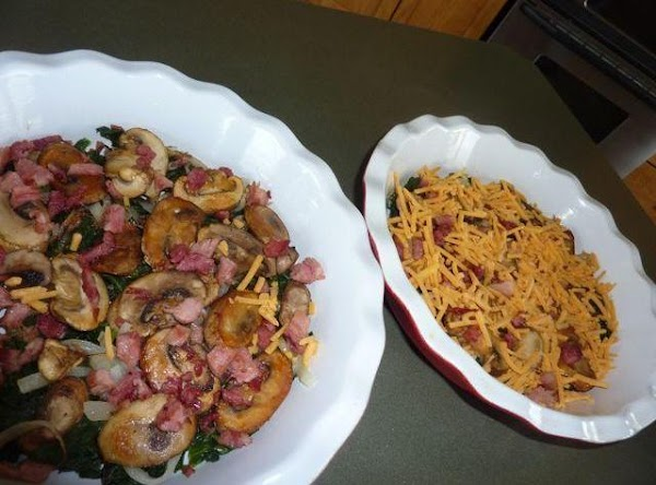 Arrange the mushrooms over the spinach, followed by the onions. Sprinkle with the bacon.