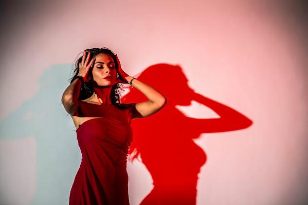 The woman in red di sarre 49