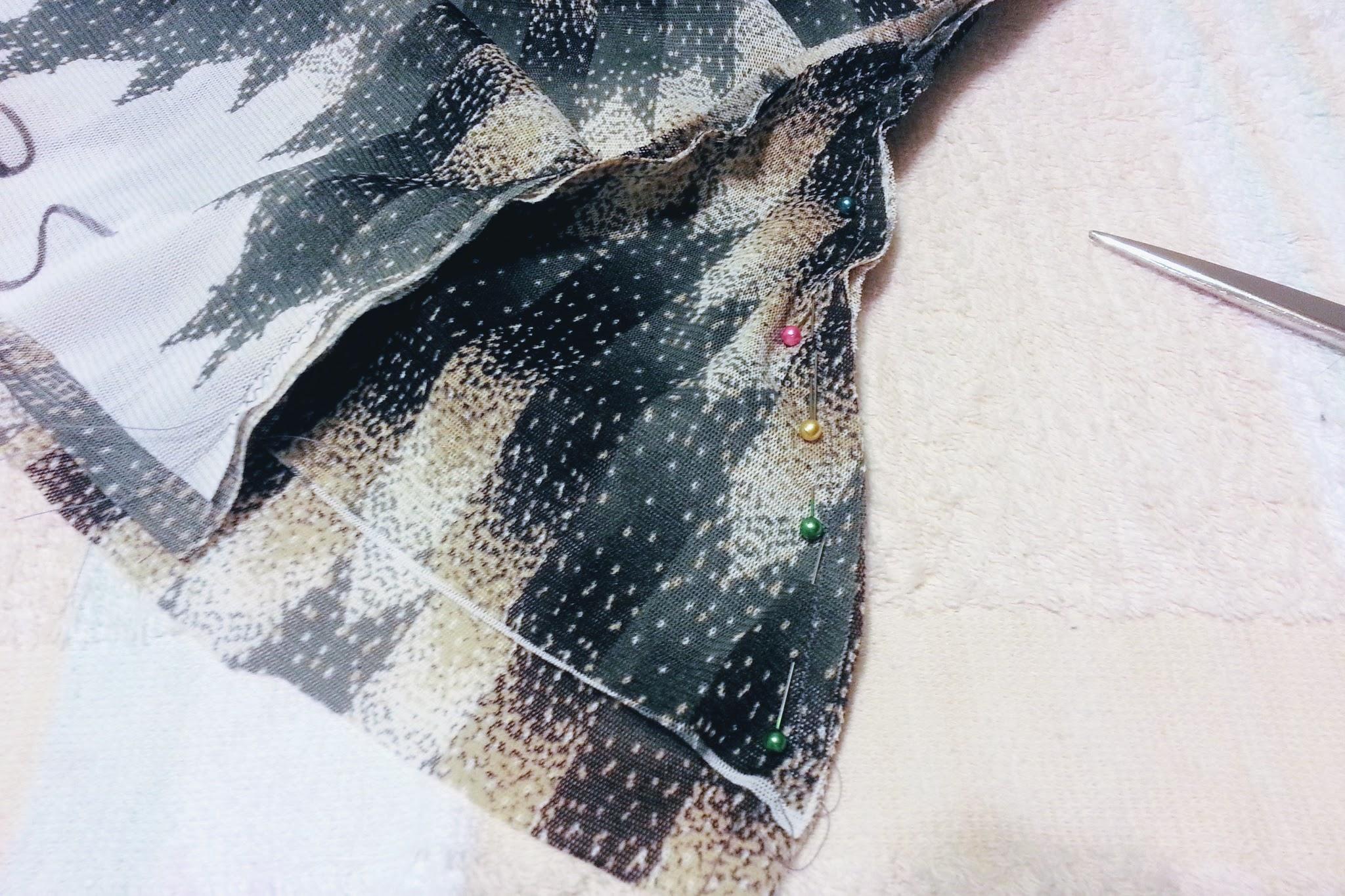 Making gussets for High-Low Circle Skirt Dress - DIY Fashion Garments | fafafoom.com